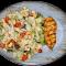 Cezerio salotos su vištienos kepsniu keptu griliuje
